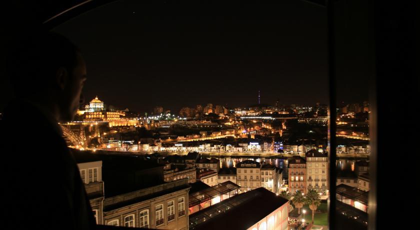 Uitzicht op de stad vanaf Hotel Da Bolsa in Porto