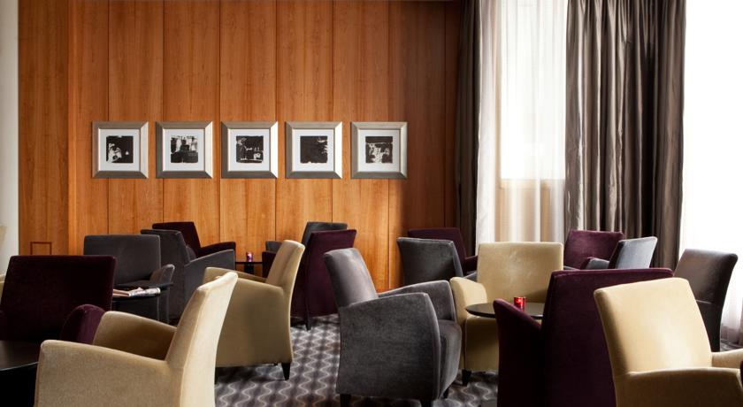 Lounge van Hotel Radisson Blu Saga op IJsland