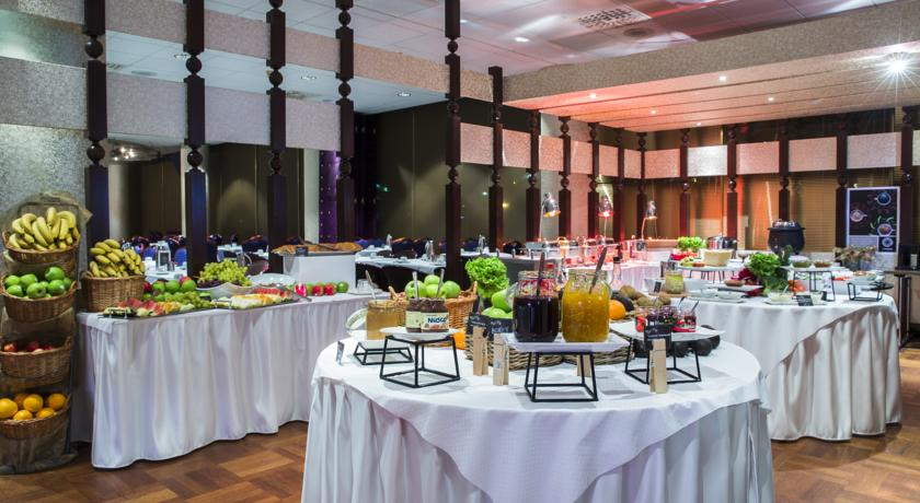 Ontbijtbuffet van Hotel Radisson Blu Saga op IJsland
