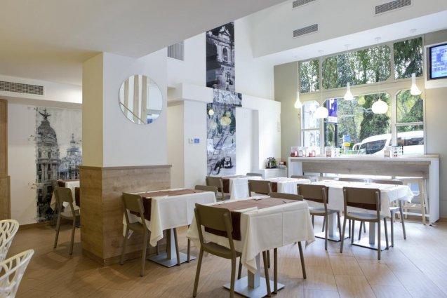 Ontbijtzaal van Aparthotel Espa Plaza de España in Madrid