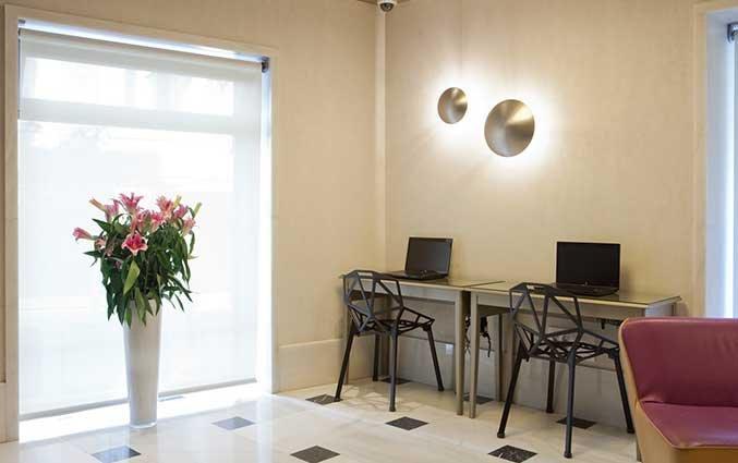 Computerhoek van Hotel Regente in Madrid