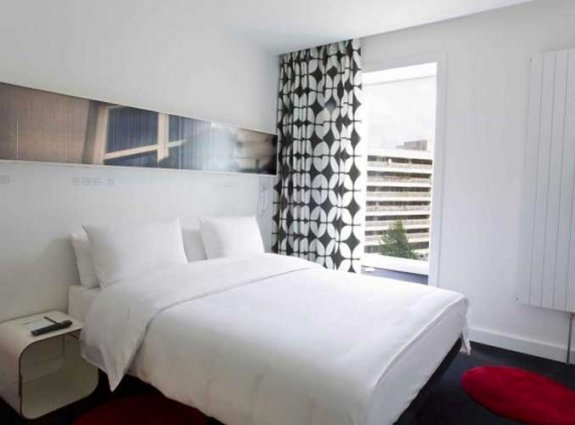Tweepersoonskamer van hotel Gat Point Charlie in Berlijn