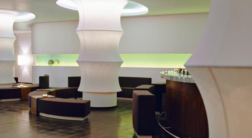 Receptie van Hotel Ku'Damm 101 in Berlijn