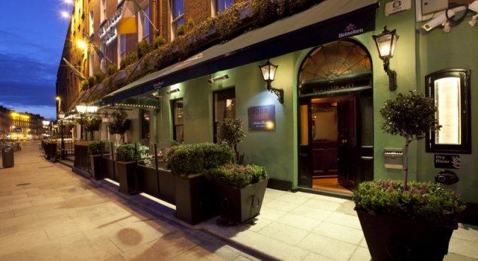 Voorkant van hotel Harcourt in Dublin