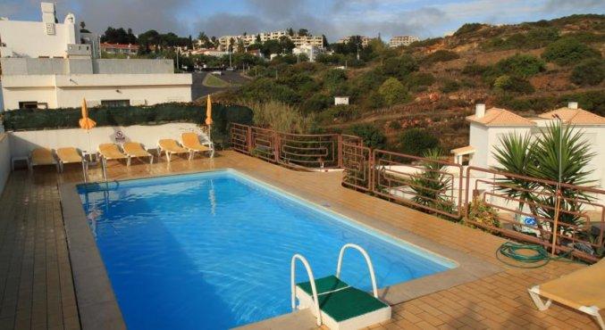 Zwembad van Hotel Colina do Mar in de Algarve