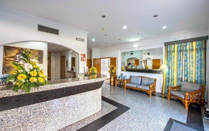 Receptie van Hotel Colina do Mar in de Algarve