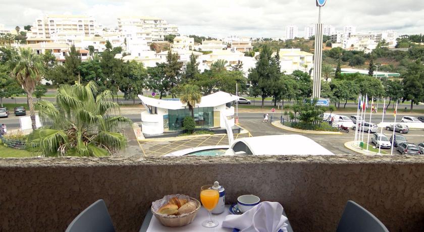 Balkon van een appartement van Appartementen Paraiso Albufeira in Algarve