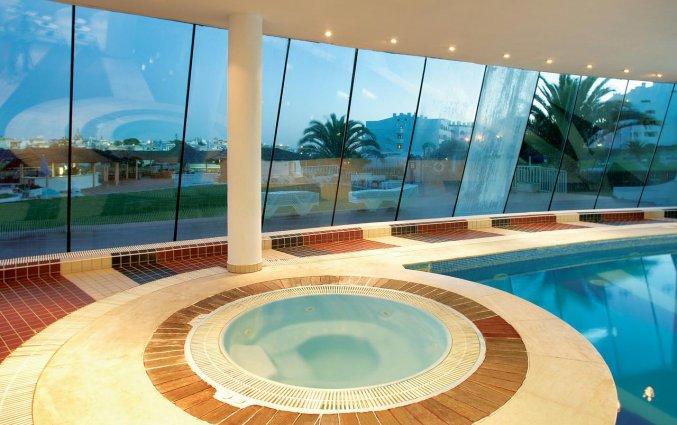 Binnenzwembad van Appartementen Paraiso Albufeira in Algarve