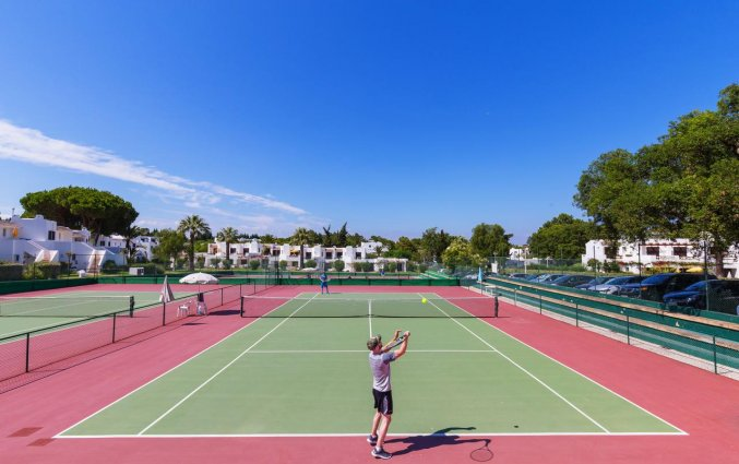 Tennisbaan van Resort Balaia Golf Village in Algarve