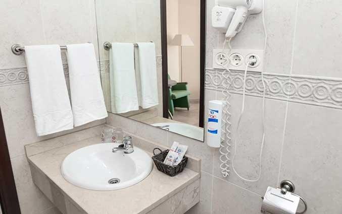 Tweepersoonskamer van Hotel AlunaSun Lago Rojo in de Costa del Sol