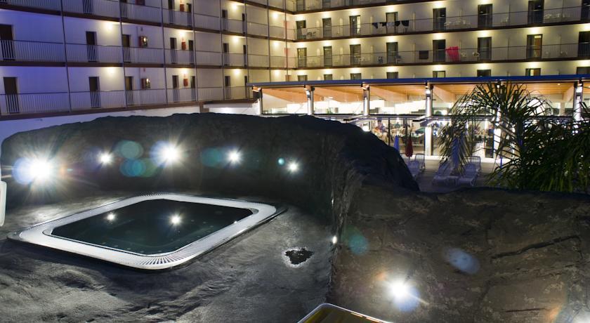 Jacuzzi van Hotel Papi aan de Costa Brava