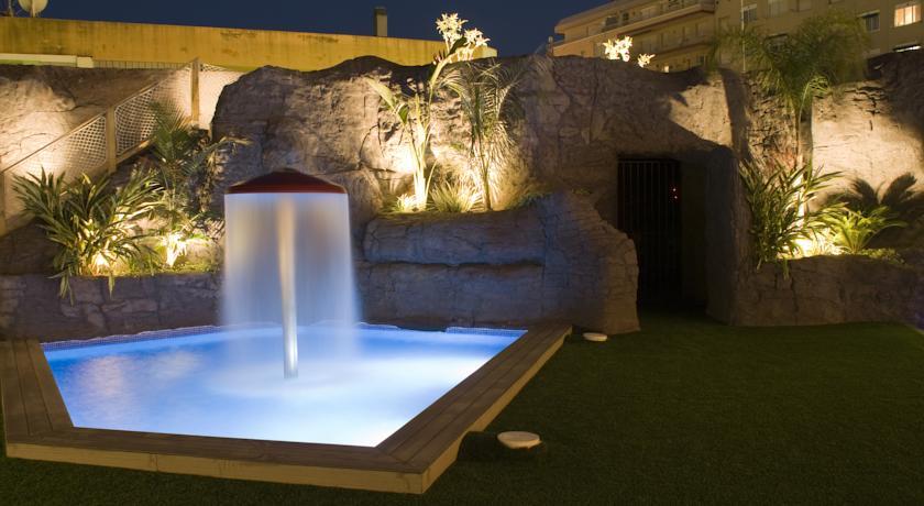 Zwembad van Hotel Papi aan de Costa Brava