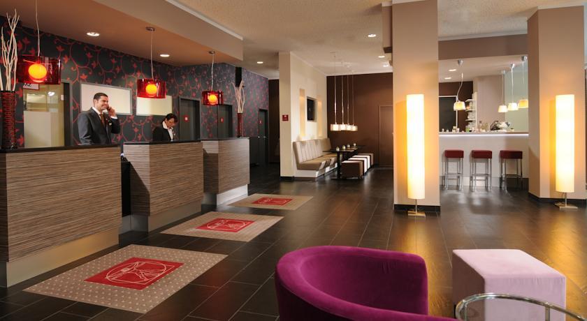 Receptie van Hotel Leonardo in Berlijn