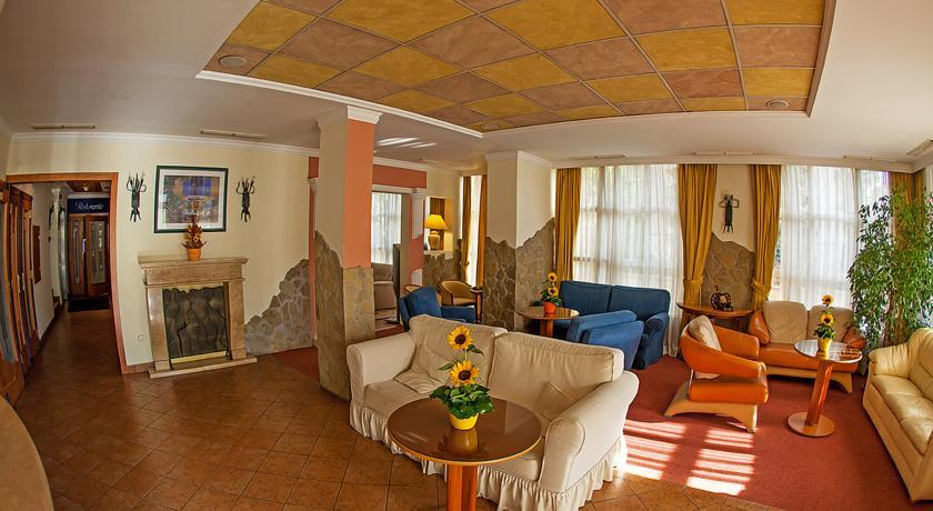 Lobby van Hotel Mediterran in Budapest