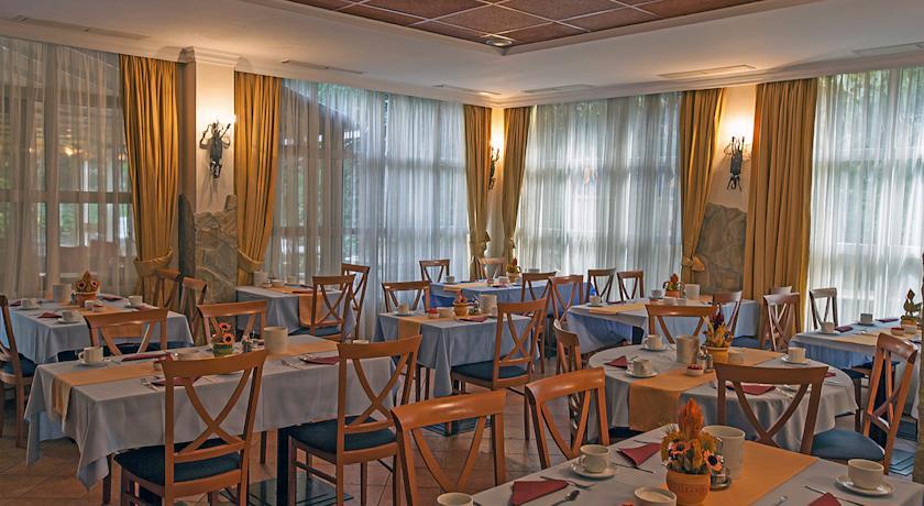 Bar van Hotel Mediterran in Budapest