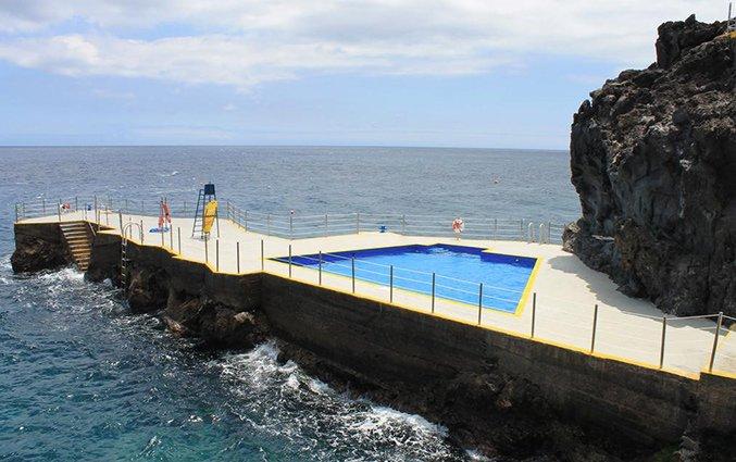 Buitenzwembad van Hotel Roca Mar Madeira