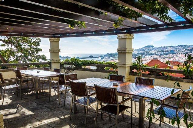 Terras van Hotel ARTS in Conde Carvahal op Madeira
