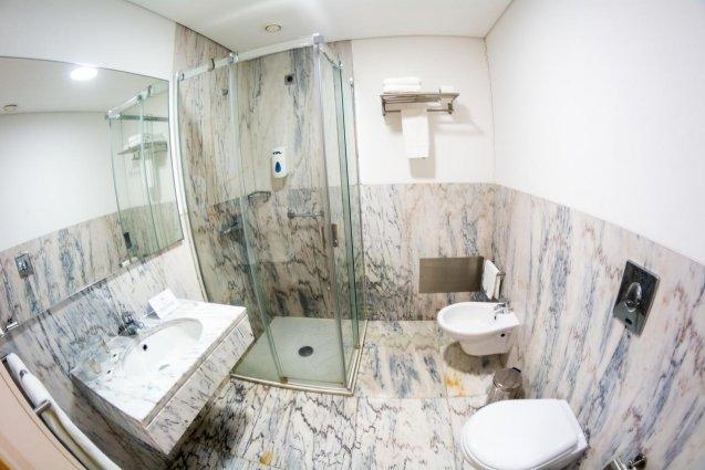 Badkamer van Hotel ARTS in Conde Carvahal op Madeira