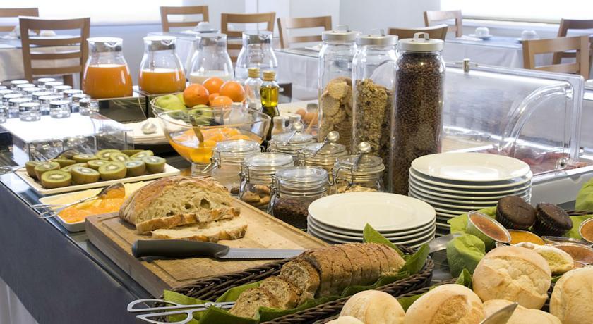 Ontbijt van Hotel Clip Gaia Porto in Porto