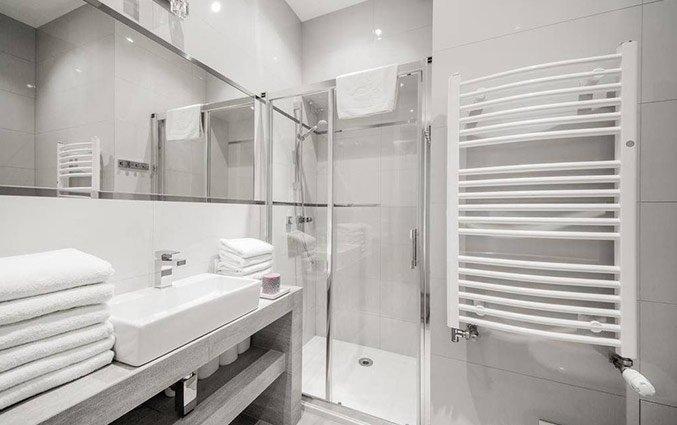 Badkamer van een appartement van Appartementen 4Seasons in Krakau