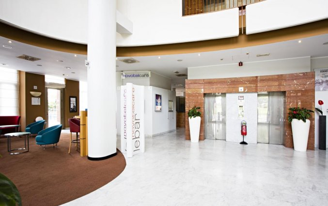Entree van Hotel Novotel Torino Corso Giulio Cesare