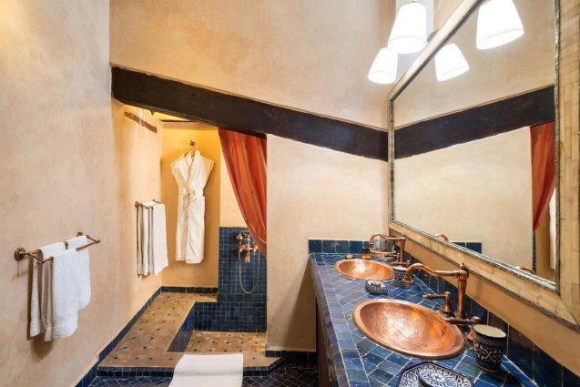 Badkamer van Riad Algila Fès
