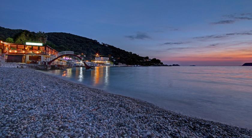 Strand bij Hotel Vis in Dubrovnik