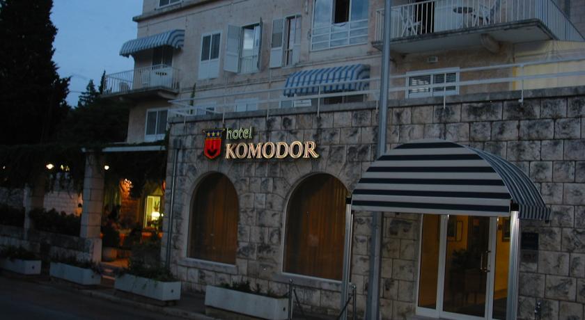Vooraanzicht van Hotel Komodor in Dubrovnik