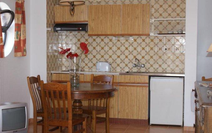 Keuken in Appartementen Mirachoro 2