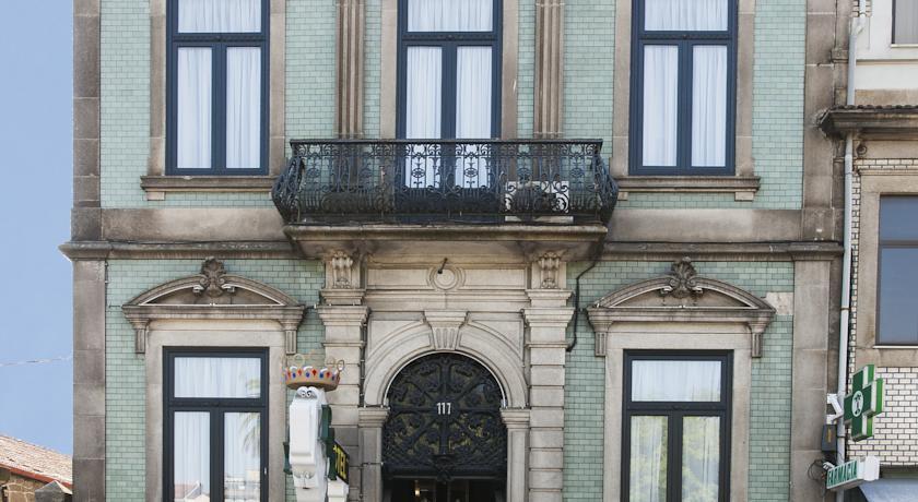 Buitenkant van Hotel The Rex in Porto