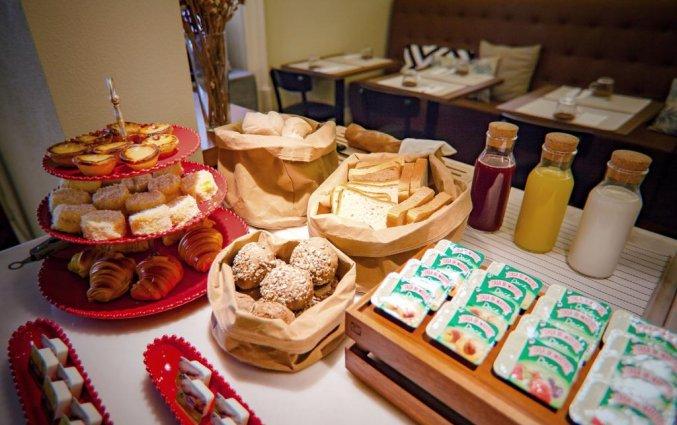 Ontbijt bij hotel Rex in Porto