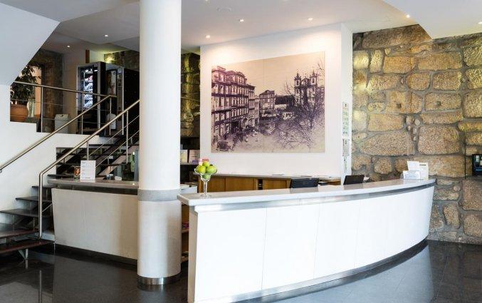 Receptie van Hotel Legendary in Porto