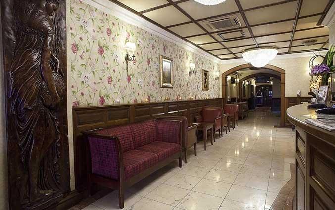 Hal van hotel Arlington O'Connell Bridge in Dublin