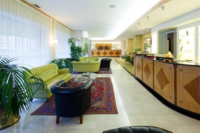De lobby van Hotel Qualys Nasco Milaan