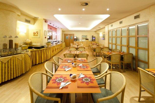 Het restaurant van Hotel Qualys Nasco Milaan