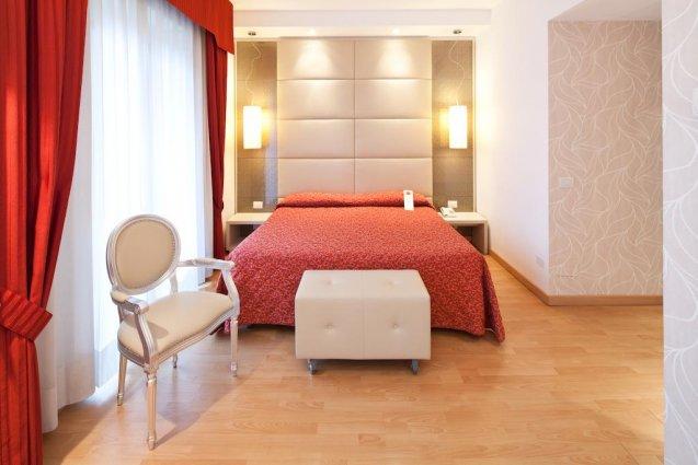 Een tweepersoonskamer van Hotel Qualys Nasco Milaan