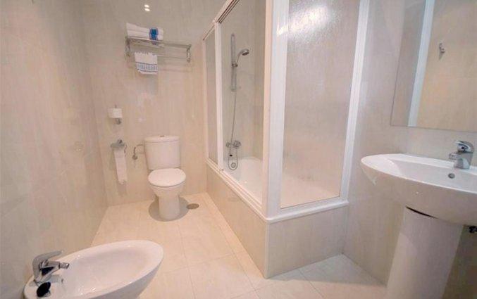 Badkamer in een kamer van hotel Rincon Sol aan de Costa del Sol