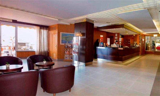 Lobby en receptie van hotel Rincon Sol aan de Costa del Sol