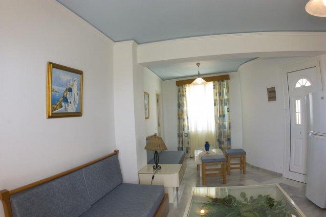 Zitgedeelte met keuken van appartementen Furtura vakantie Kreta
