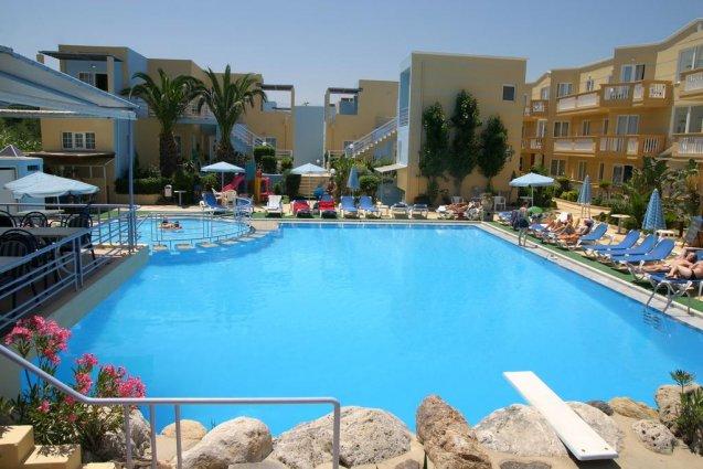 Zwembad van appartementen Furtura vakantie Kreta