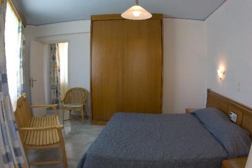 Tweepersoonsbed in kamer van appartementen Furtura vakantie Kreta