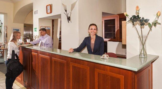 Receptie van Hotel Augustus et Otto in Praag
