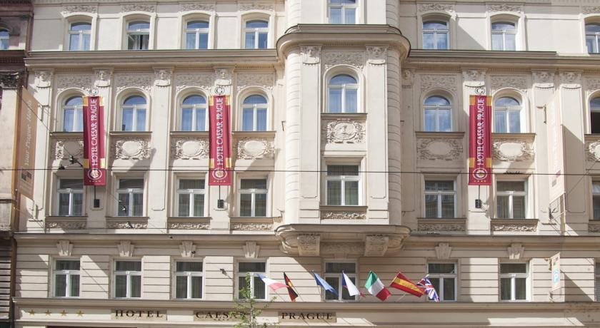 Gebouw van Hotel Caesar in Praag