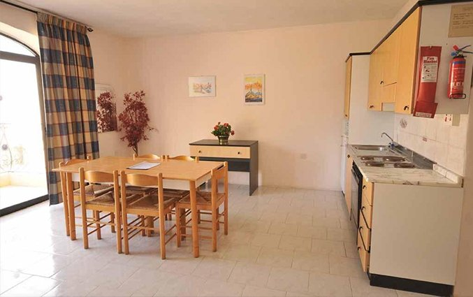Appartement met keuken en eetkamer White Dolphin Holiday Complex op Malta
