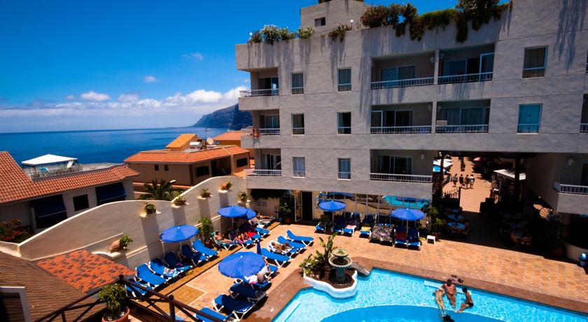 Zonneterras en zwembad van Appartementen Vigilia Park Tenerife