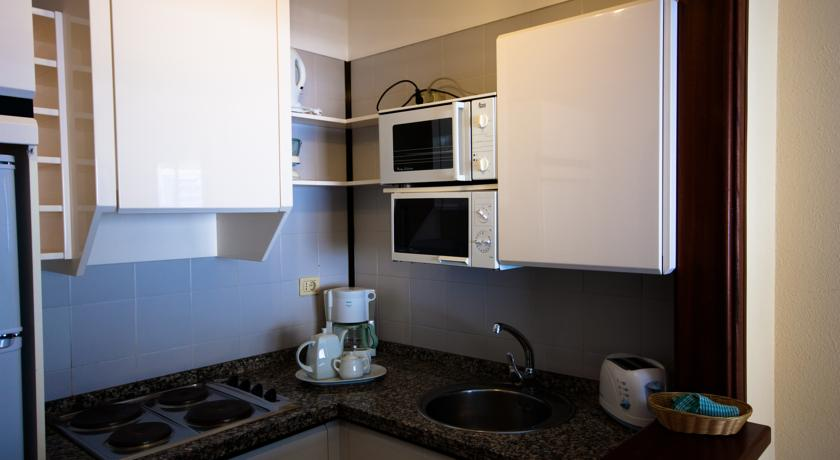 Keuken van een appartement van Appartementen Vigilia Park Tenerife