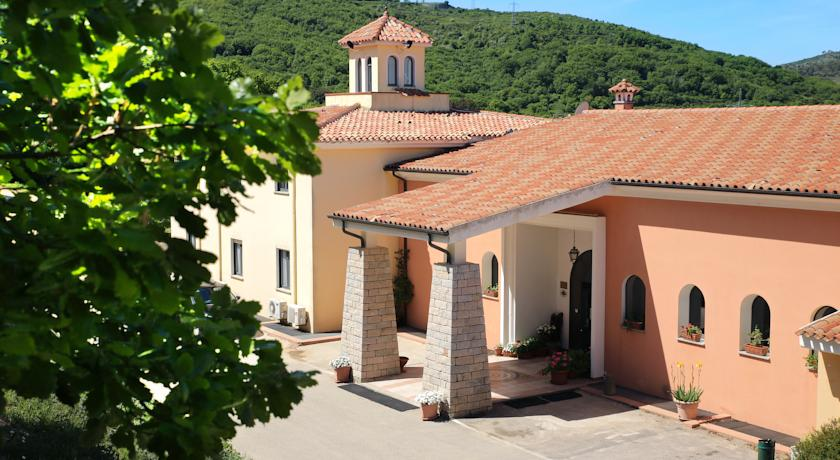 Hotel Pausania Inn op Sardinie