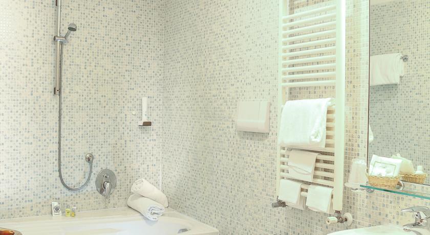 Badkamer in een hotelkamer van hotel Apostoli Palace stedentrip Venetië