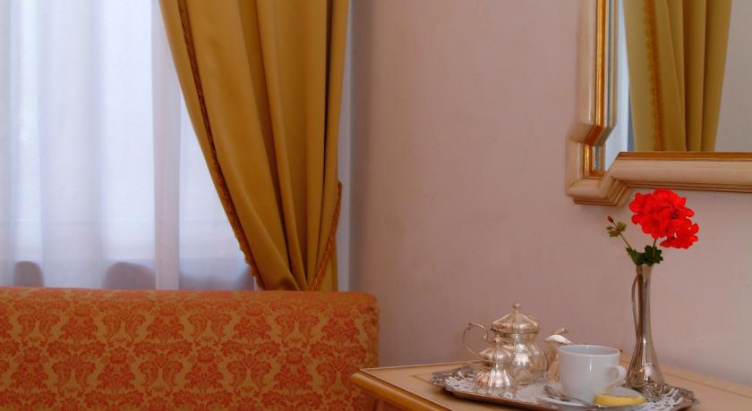 Theeservies van hotel Apostoli Palace stedentrip Venetië