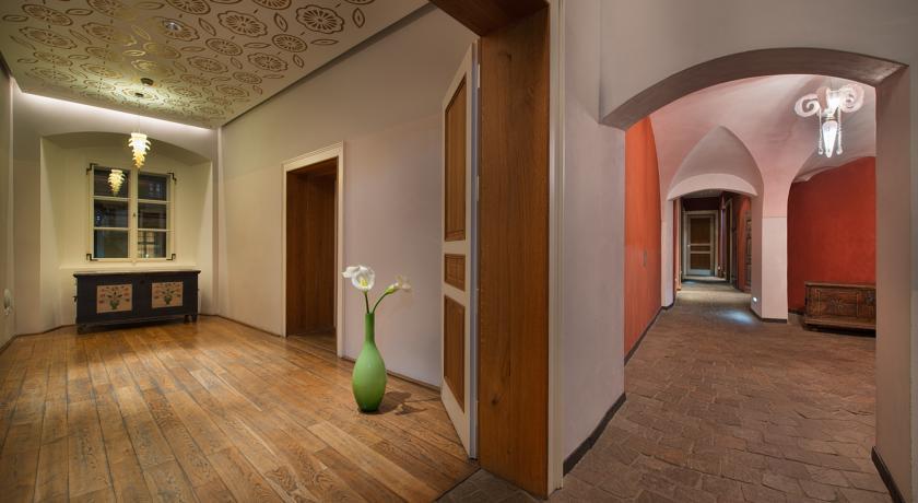 Gang van Hotel Design Neruda Praag